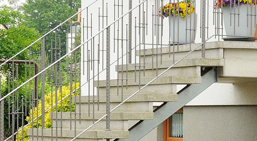 stufen aus betonwerkstein wegener betonstein in gro p sna bei leipzig. Black Bedroom Furniture Sets. Home Design Ideas